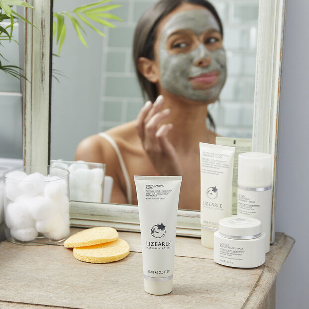 Cleansing face mask